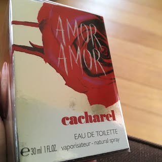 #cacharel #amoramor ...
