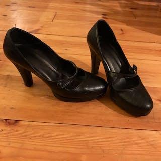Chaussure noire à ta...