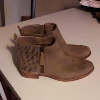 Boots NEUFS pointure...